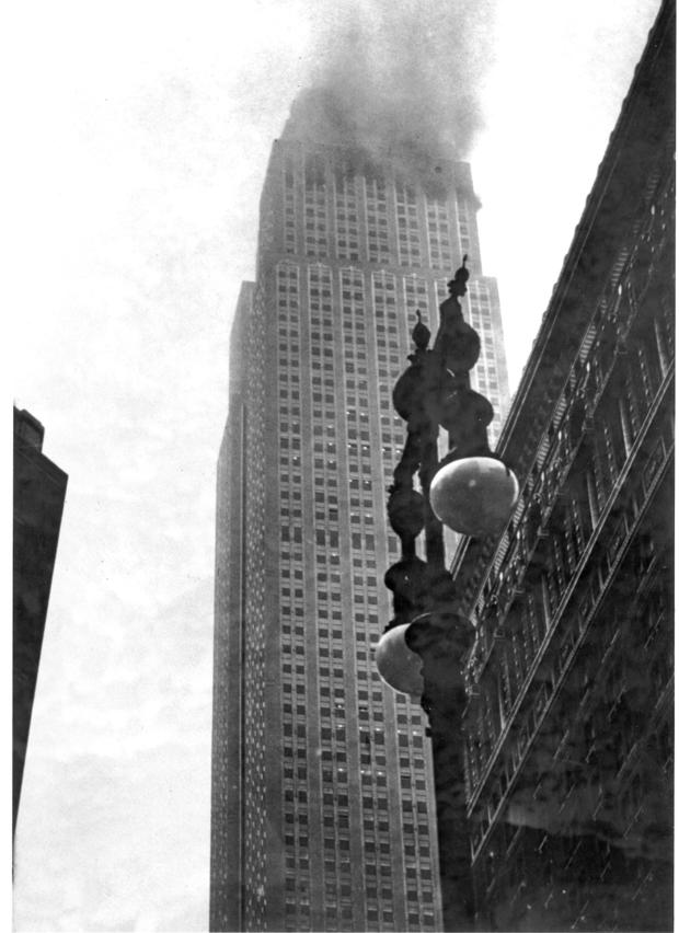 empire-state-building-b-52-crash-1945-ap4507280115.jpg