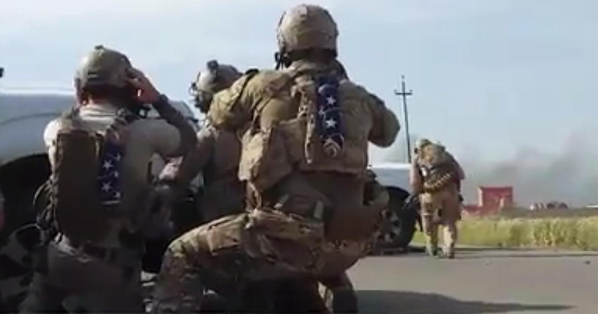 Why were Navy SEALs on front line in ISIS fight? - CBS News