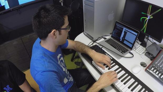nfabojorquezwatson-makes-musicstereoneeds-gfxframe3009.jpg
