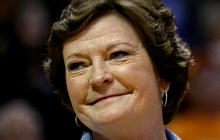 Coaching great Pat Summitt dead at 64