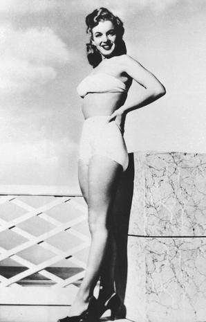 36970122a9c Marilyn Monroe - The history of the bikini - Pictures - CBS News