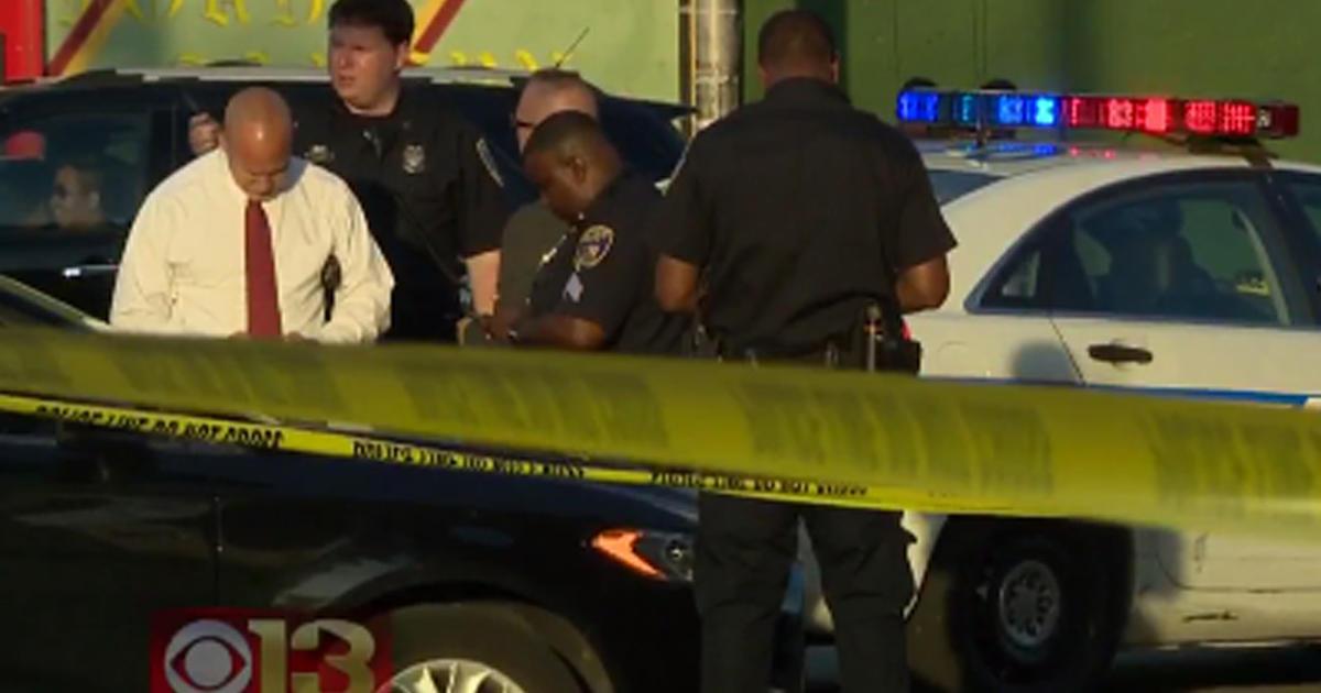 5 shot during candlelight vigil in baltimore