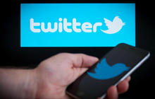 Twitter makes deal to stream live MLB, NHL games