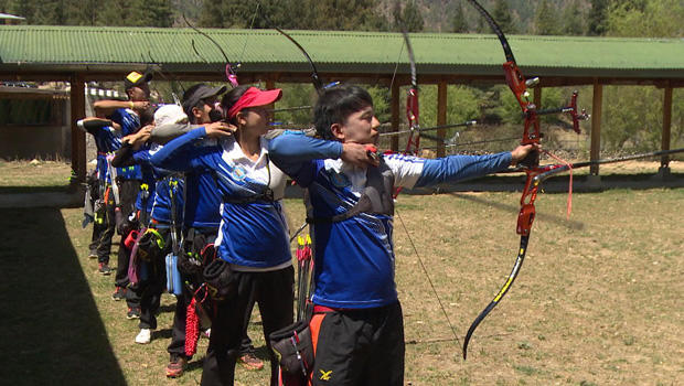 bhutan-archery-row-of-archers-620.jpg