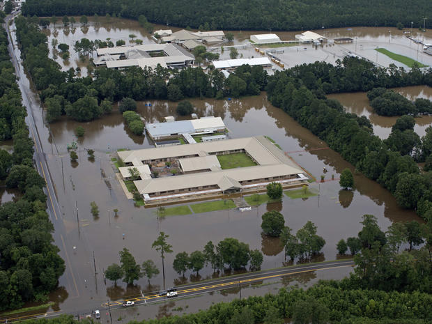 louisiana-flooding-ap16226846564458.jpg