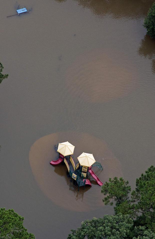 louisiana-flooding-ap810230929237.jpg