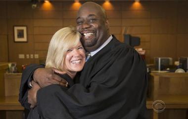 Wisconsin judge donates kidney to colleague