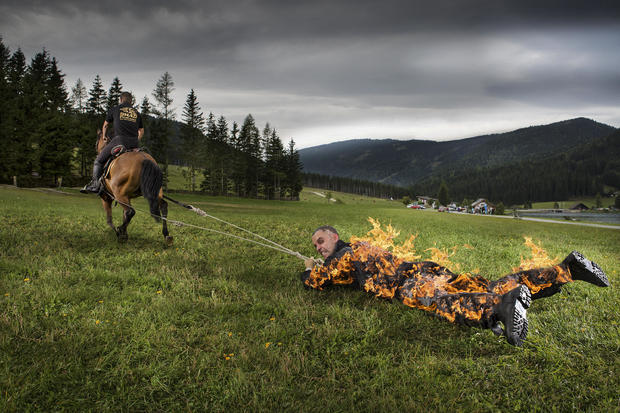 josef-tidtling-longest-distance-pulled-by-a-horse-full-body-burn-1.jpg