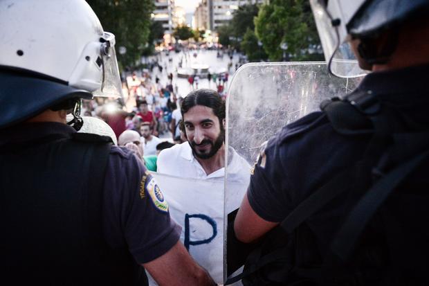 greek-refugees-598729222.jpg