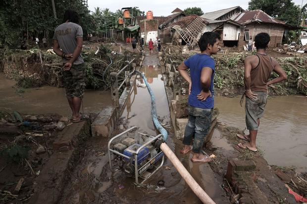 indonesia-flooding-541188070.jpg