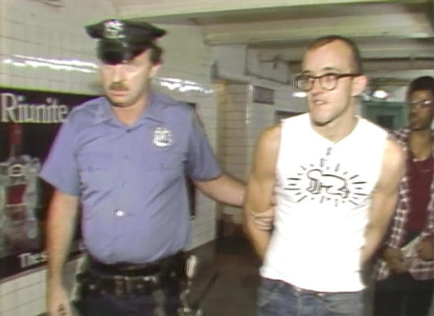 keith-haring-arrested-in-subway-1982-660.jpg