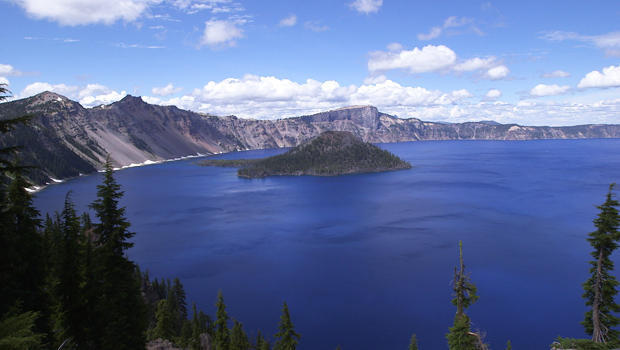 on-the-trail-crater-lake-620.jpg