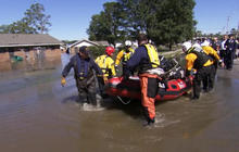 North Carolina rescuers pull hurricane victims to safety