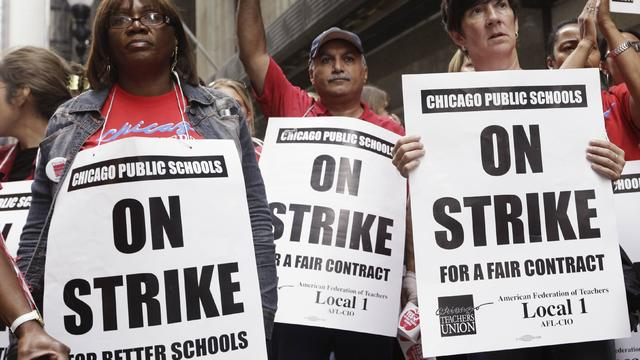 chicago-teachers-strike-2016-10-10.jpg