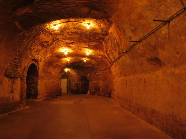 minnesota-wabasha-street-caves.jpg