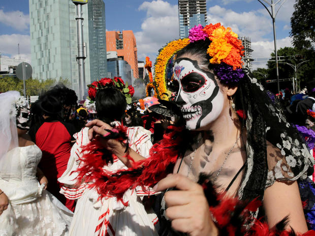 day-of-the-dead-1328580405-s1beujwivgaa-rtrmadp.jpg