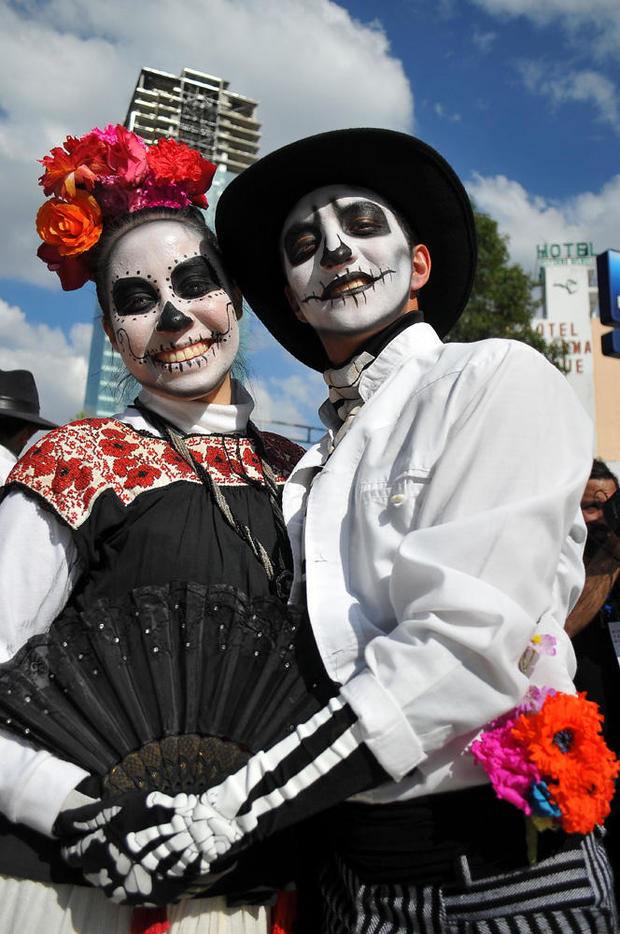 day-of-the-dead-getty-619113248.jpg