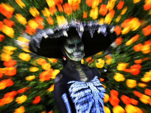 day-of-the-dead-getty-619117564.jpg