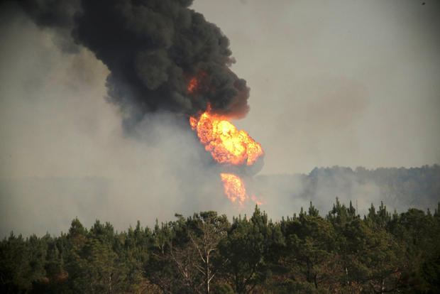 2016-11-01t035057z-117988860-s1beukgjmvac-rtrmadp-3-pipeline-blast-alabama.jpg