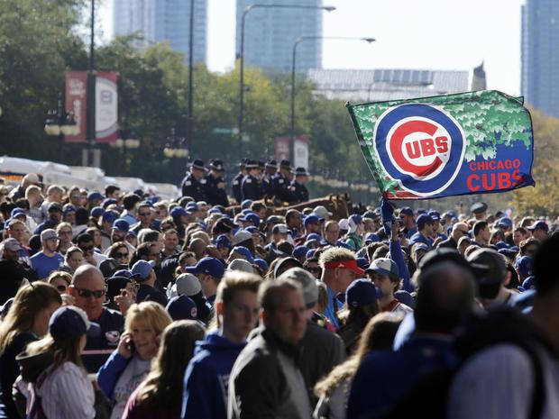 chicago-cubs-world-series-parade-ap-16309590042219.jpg