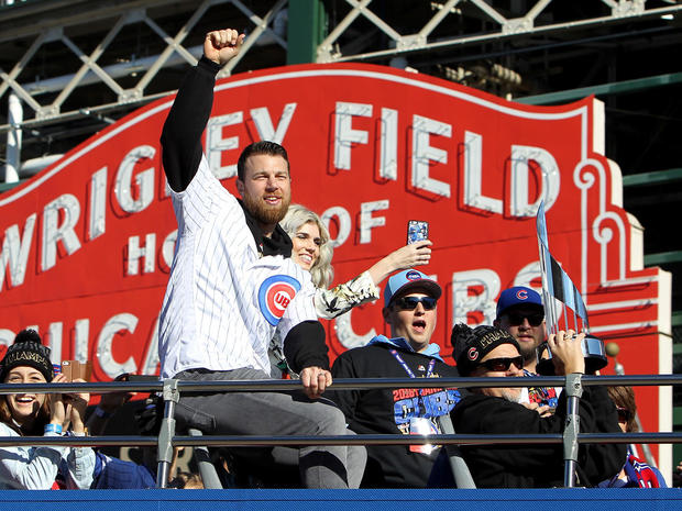 chicago-cubs-world-series-parade-gettyimages-621089756.jpg