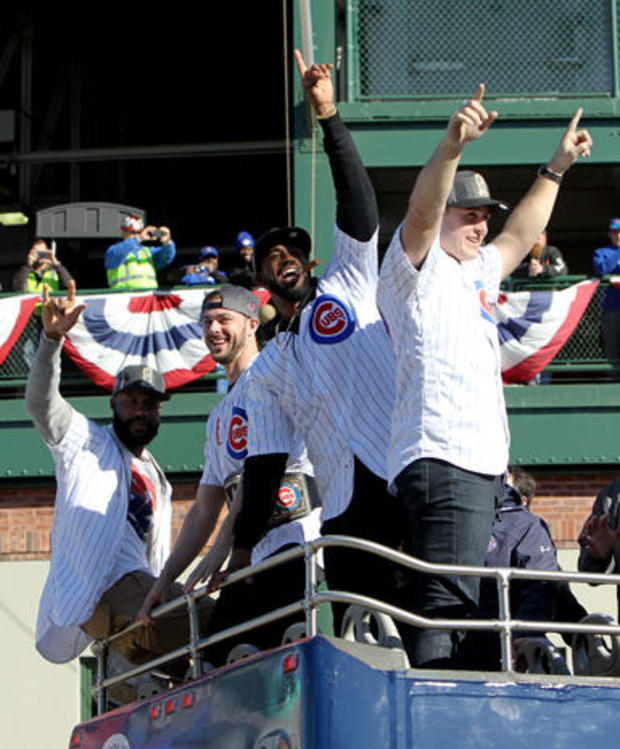 chicago-cubs-world-series-parade-gettyimages-621089716.jpg