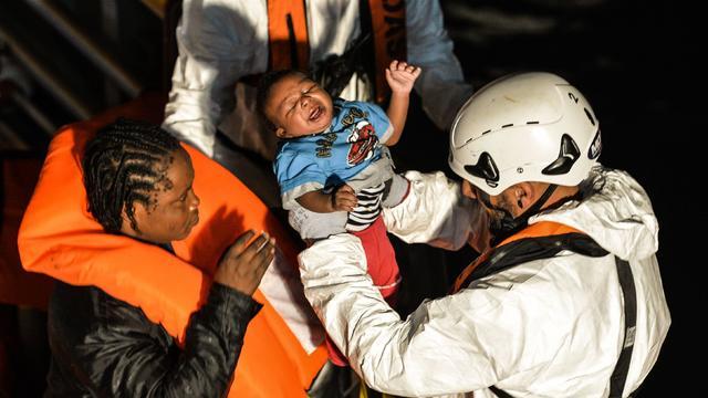 mediterranean-migrants-refugees-621191520.jpg