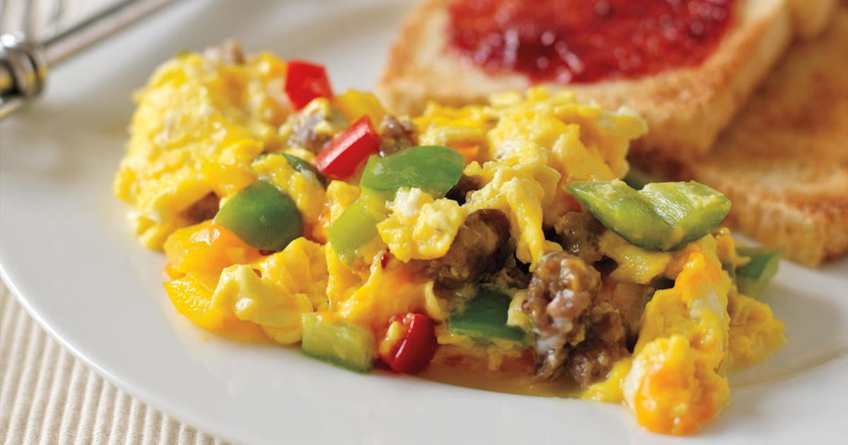 Recipe: Scrambled Eggs with Sausage, Cheddar and Peppers ...