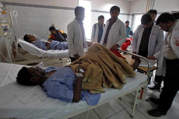 india-train-crash-injured.jpg