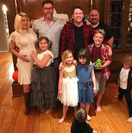 Celebrities share Thanksgiving photos