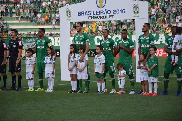 chapecoense-team-fb.jpg