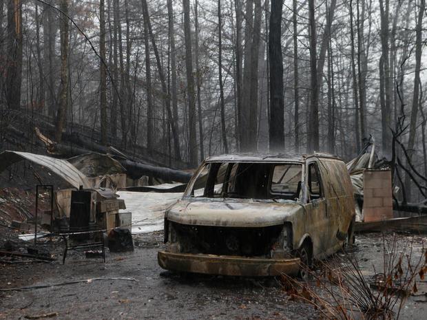 tennessee-wildfire-getty-626715832.jpg
