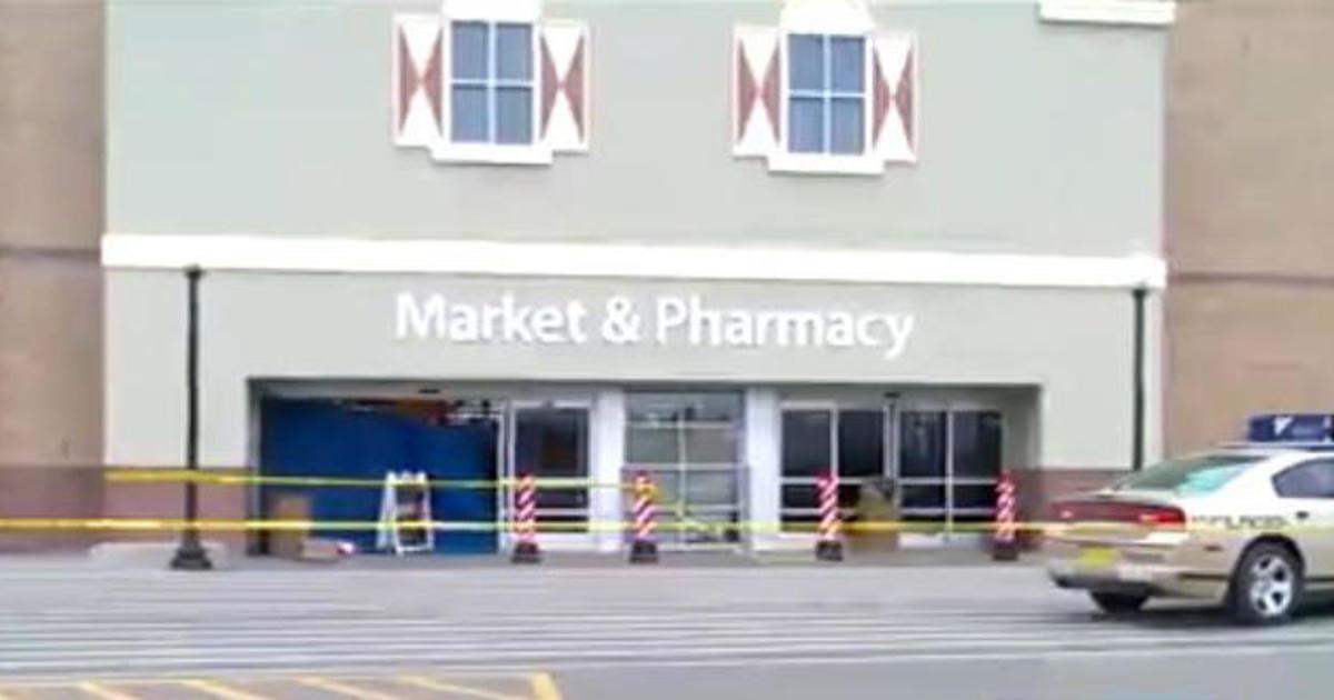Pella Walmart Crash In Iowa Kills 3 People Cbs News