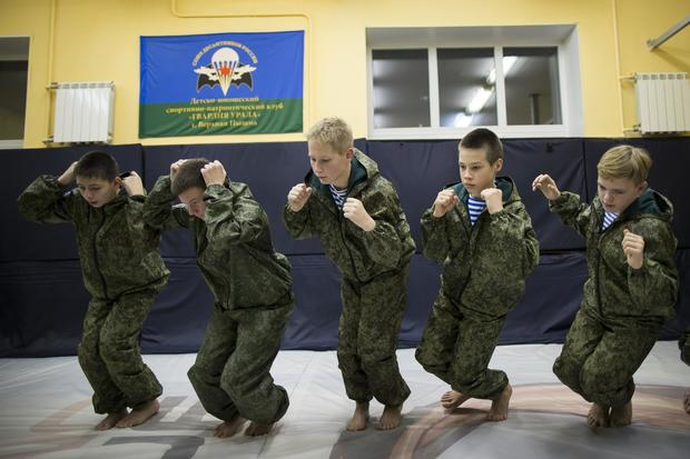 russia-young-army-ap-16348584827379.jpg