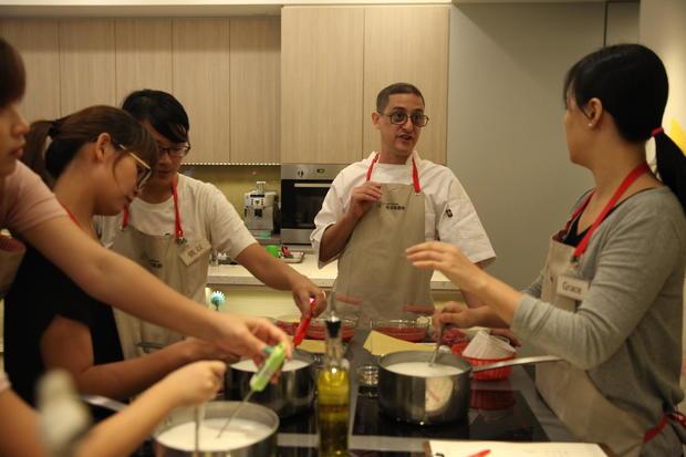 joy-in-kitchen-01.jpg