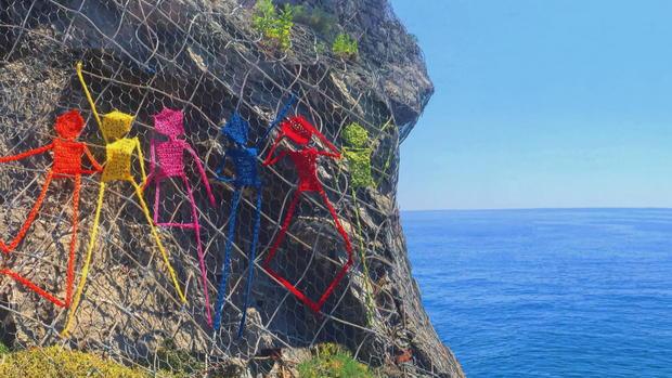 cliff-frame-25-1.jpg