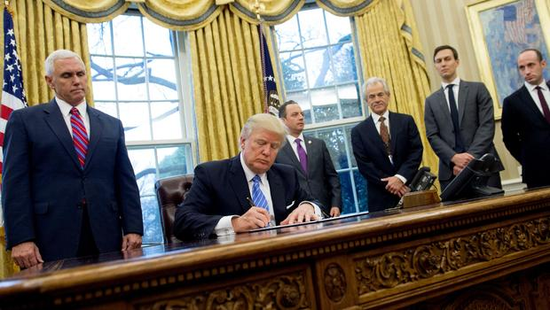 How Trump Has Changed The Oval Office So Far Cbs News