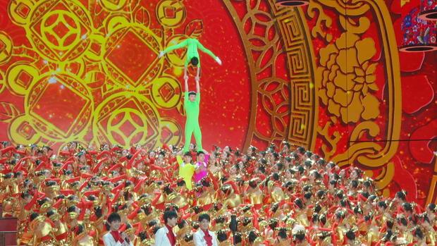 n8nn-diaz-china-new-year-show-frame-3399.jpg