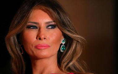 Melania Trump files another defamation suit, and other MoneyWatch headlines
