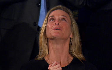 Emotional tribute to fallen Navy SEAL in Trump's address to Congress