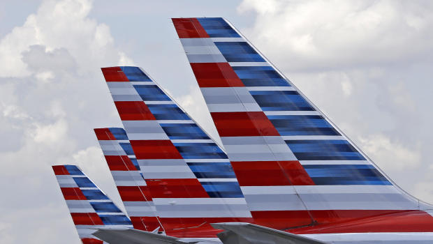 Hailstorm crushes nose of American Airlines plane