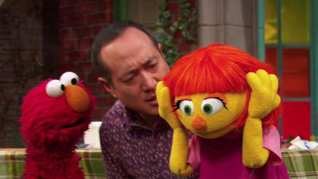 What Muppet With Autism Means To My >> How Sesame Street Created Julia The New Muppet With Autism Cbs News