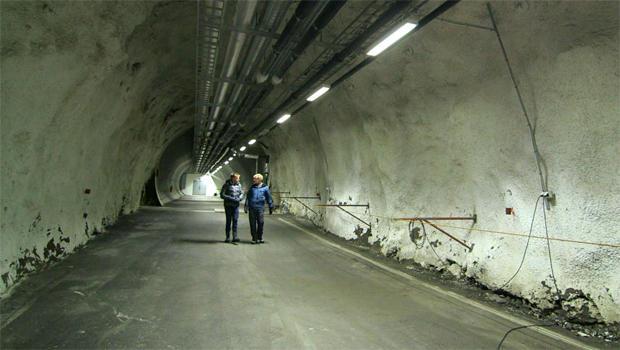 svalbard-global-seed-vault-tunnel-620.jpg