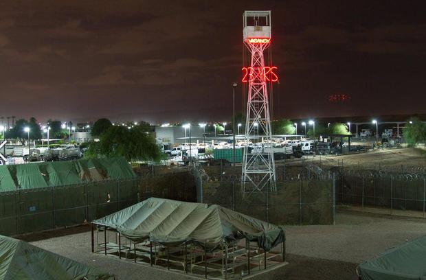 170404-maricopa-county-tent-city02.jpg