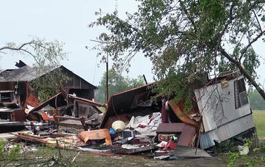 Violent storms damage homes in Southeast