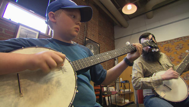 kentucky-arts-appalshop-banjo-620.jpg