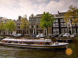Amsterdam, first city of the modern age