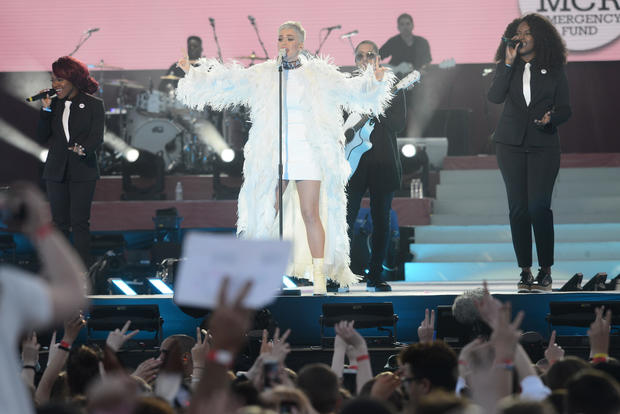Ariana Grande honors terror attack victims with benefit concert