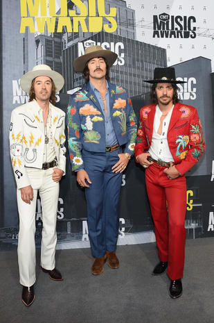 Midland 2017 CMT Awards Red Carpet Pictures CBS News