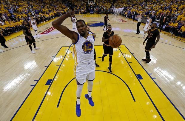 2017-06-13t050146z-1335971859-nocid-rtrmadp-3-nba-finals-cleveland-cavaliers-at-golden-state-warriors.jpg
